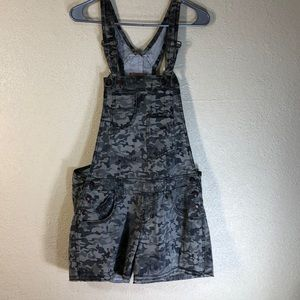 NOBO Shorts Overall Gray  Camouflaged Juniors 13